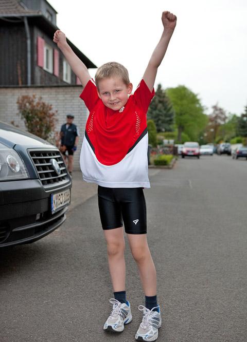 Erfolgreich sein. Kinder im Wettkampf und beim Sport.