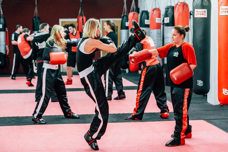 Richtiges Kickboxtraining, Kickboxen mit Susanne Baumbach.