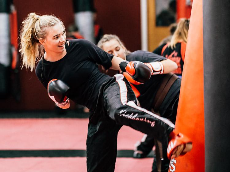 Kickboxen ist eine der Empfehlungen vieler Personal Trainer in ganz Deutschland.